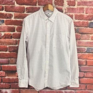 UniQlo Long Sleeves Button Up Shirt Sz Small